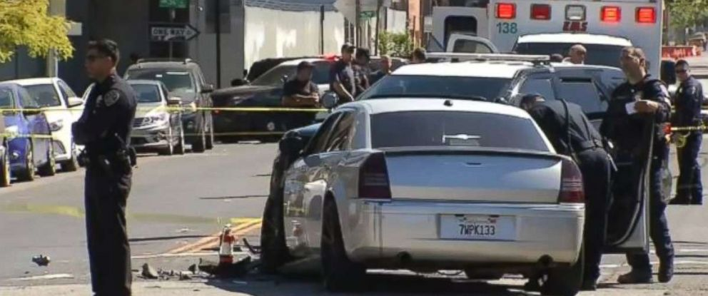 PHOTO: Police investigate the scene of a deadly crash near San Francisco, California.