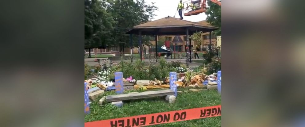 PHOTO: Crews began to dismantle the gazebo in Cleveland where Tamir Rice was shot, Sept. 14, 2016.