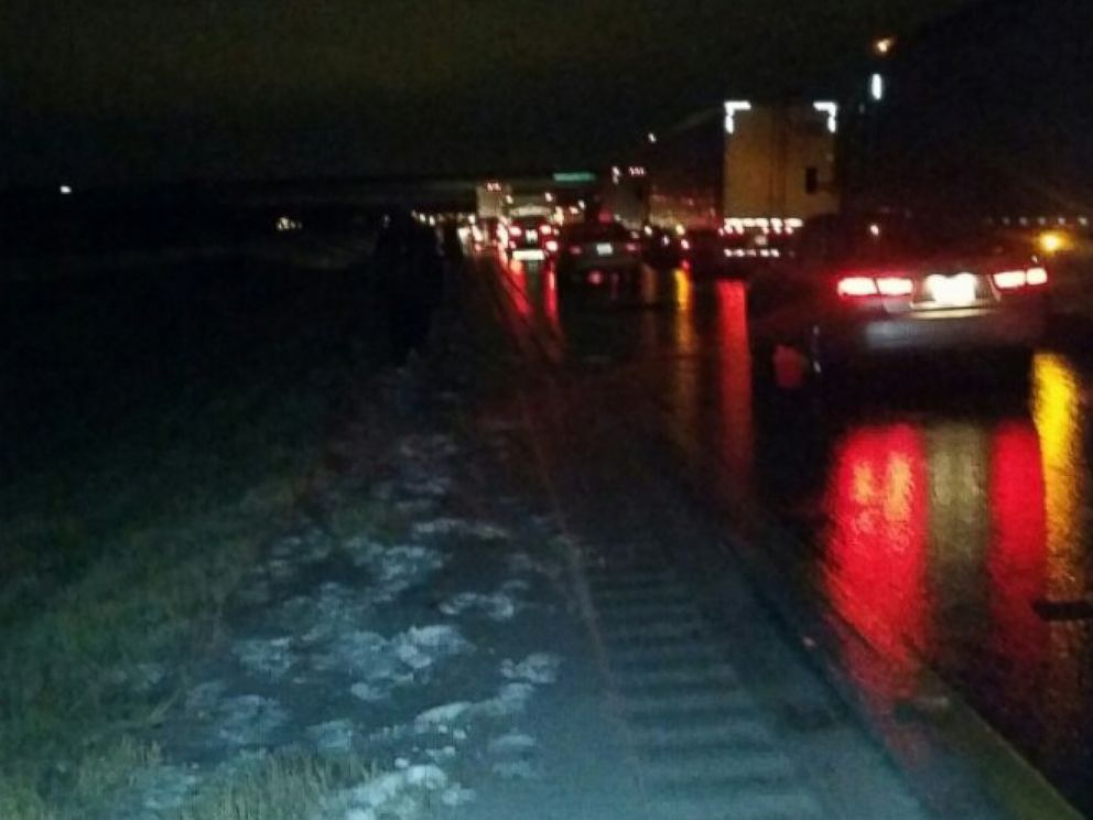 PHOTO: Icy Road Conditions Force a Basketball Team To Walk 2 Miles To Their Hotel.
