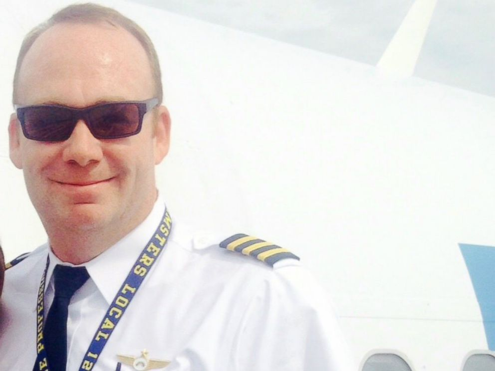 PHOTO: Former Allegiant Captain Jason Kinzer is suing the airline for alleged malicious firing.