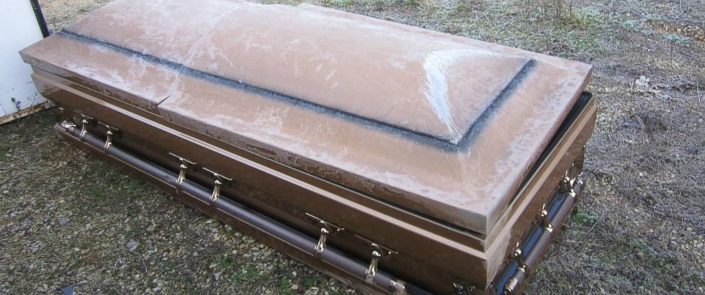 WheresMyCasket: Cops Seeks Owner of Coffin Found on Roadside - ABC News