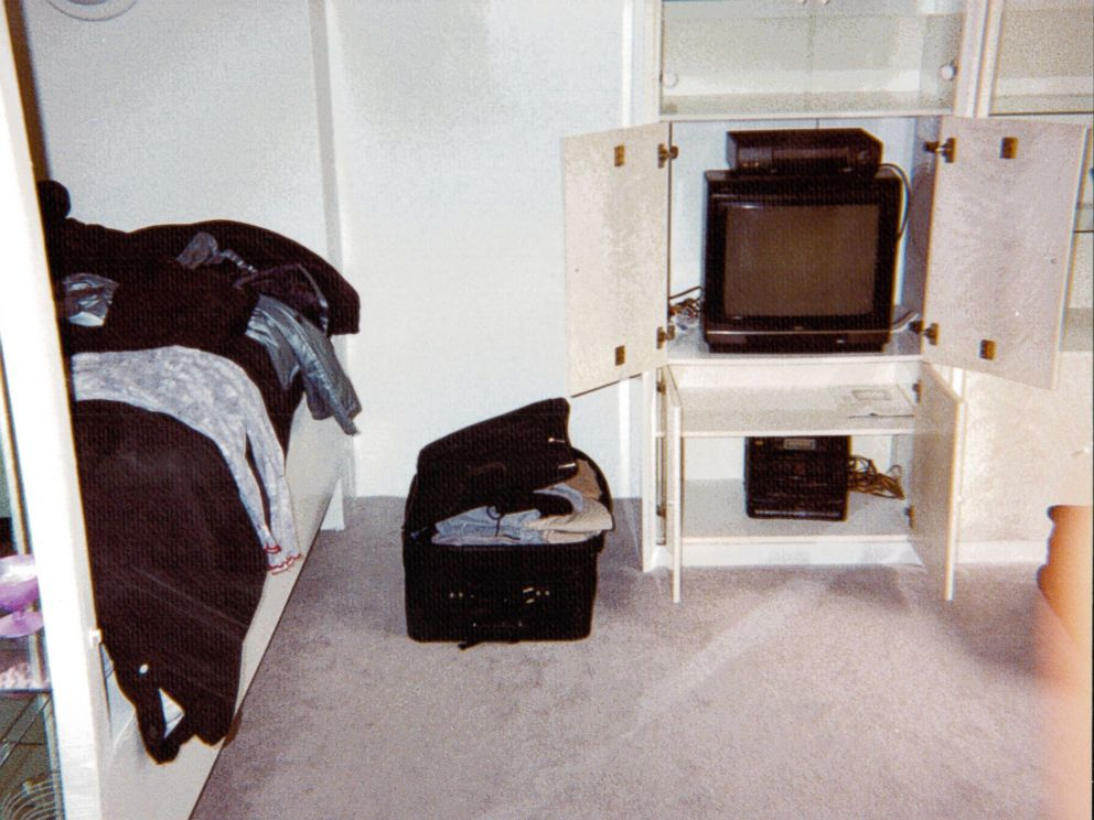 PHOTO:A photos of Chandra Levys apartment shown at the Chandra Levy trial . <p itemprop=