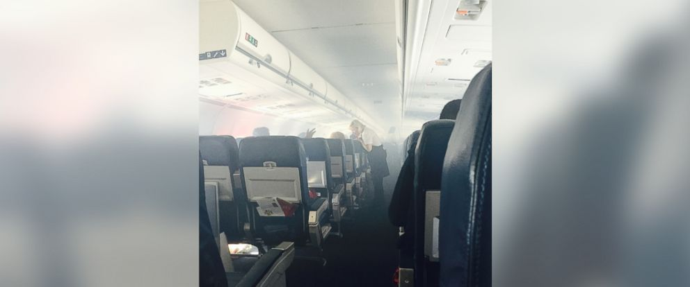 PHOTO: The cabin of Delta flight 2028 from Fort Lauderdale to New York-LaGuardia was filled with smoke due to a performance issue on May 5, 2015.