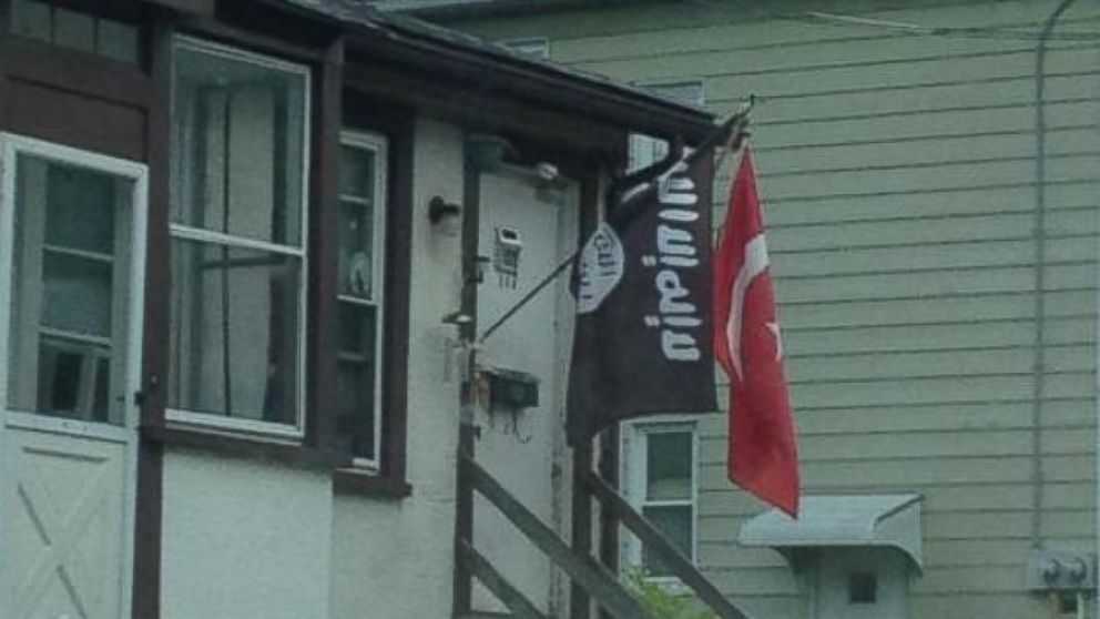 A New Jersey resident posted a photo to Twitter of what he thought appeared to be an ISIS flag.
