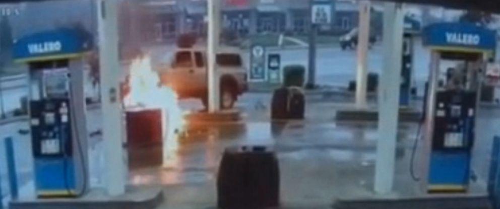 PHOTO:A driver hit a gas pump causing the pump to burst into flames, in Everett, Wash., Feb.27, 2016.