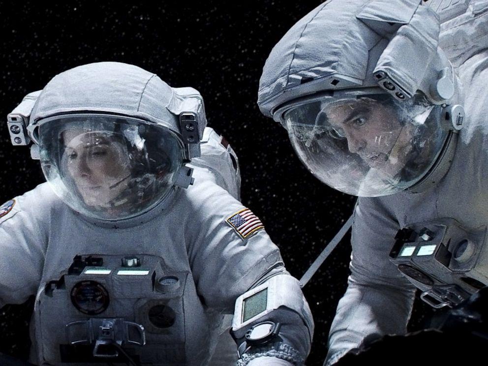 PHOTO: sandra bullock, george clooney, gravity