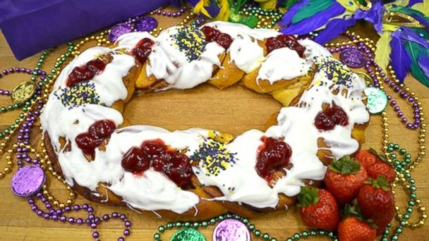 """PHOTO: Randazzos Camellia City Bakery in Slidell, La, offers popular their """"king cakes"""" for Fat Tuesday."""
