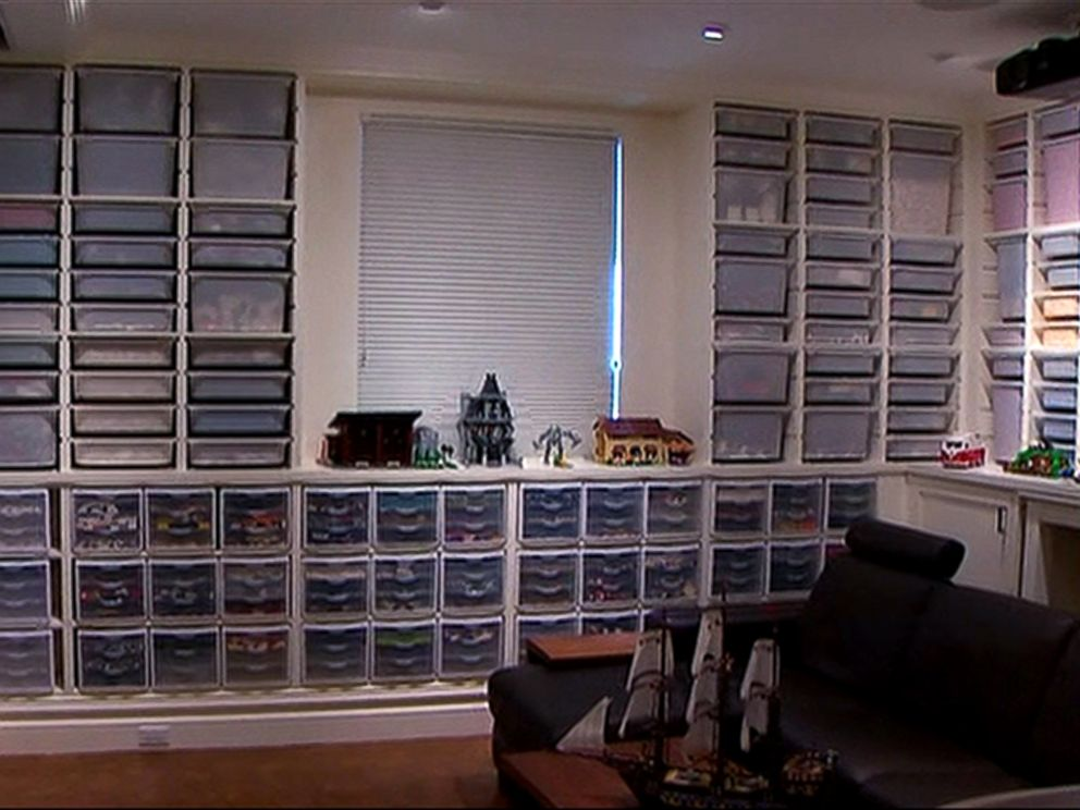 PHOTO: A Seattle man has made an amazing Lego room in his basement.