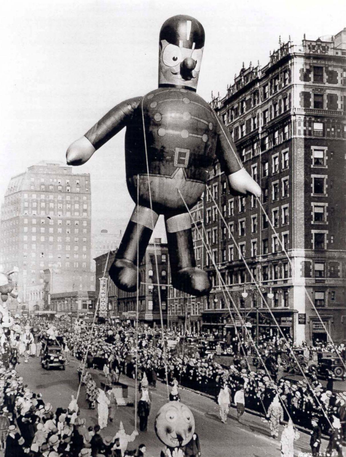 Macys Thanksgiving Day Parade Through The Years Photos