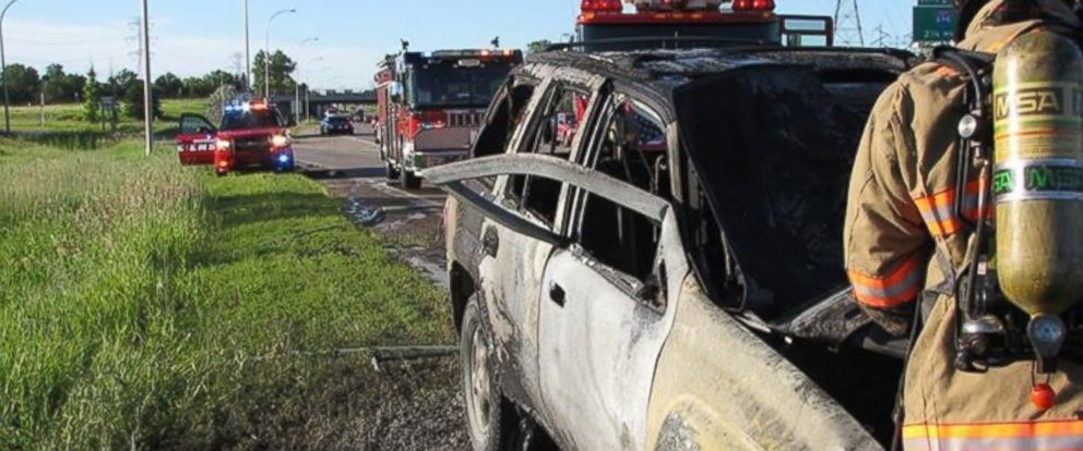 """PHOTO: Bob Renning, 52, bent the SUV door and shattered the glass when he saw Michael Johannes trapped in the burning vehicle."""""""
