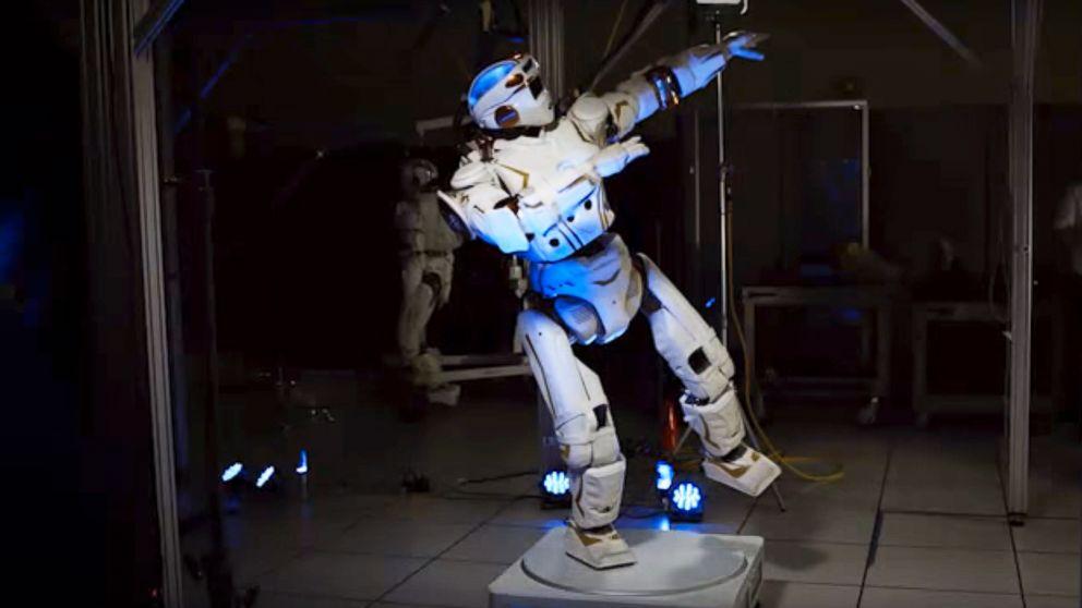nasa humanoid robot - 992×558