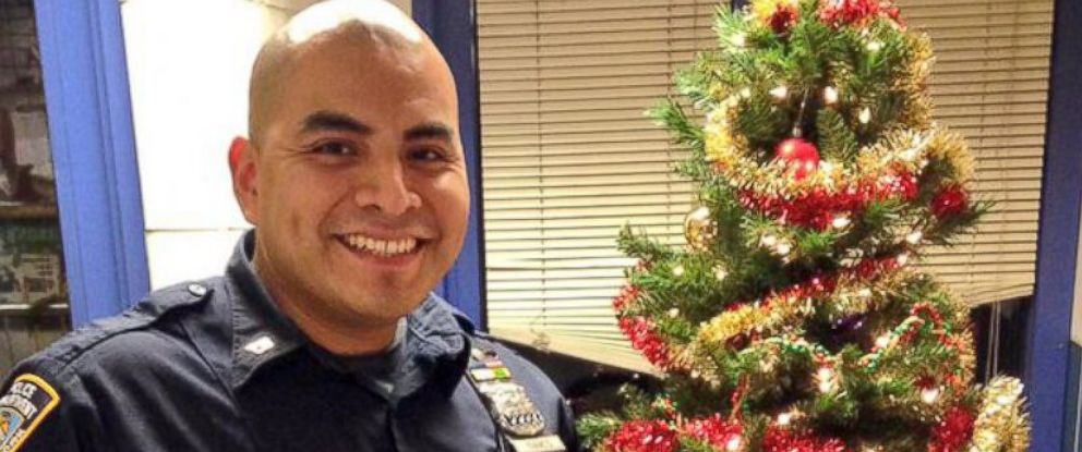 Former Homeless NYPD Cop Gives Gifts to Children Living in Shelter