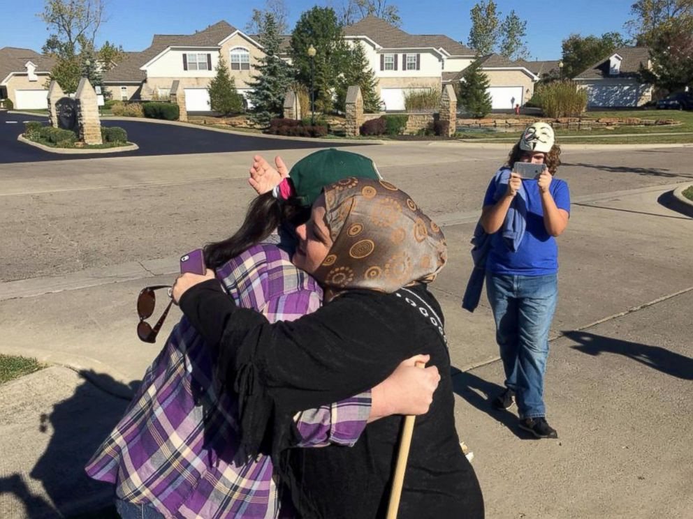 Anti-Muslim Protester Has Change of Heart After Surprised by