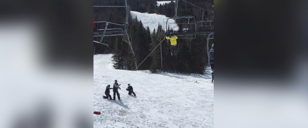 PHOTO: About 200 people were rescued from a ski lift at Sugarloaf Mountain in Maine.