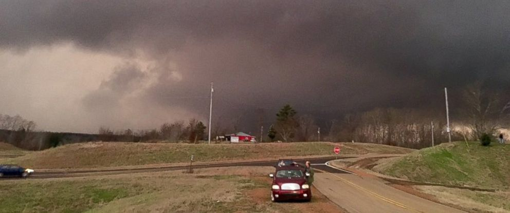 PHOTO: A tornado crosses Highway 72 in Walnut, Miss., Dec. 23, 2015.