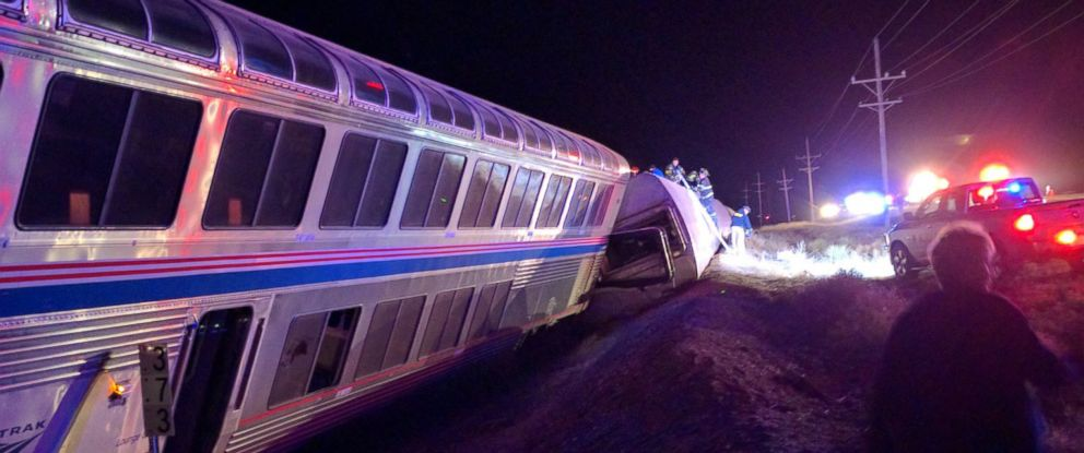 PHOTO: An Amtrak train traveling from L.A. to Chicago derailed approximately 20 miles west of Dodge City, Kansas, March 14, 2016.