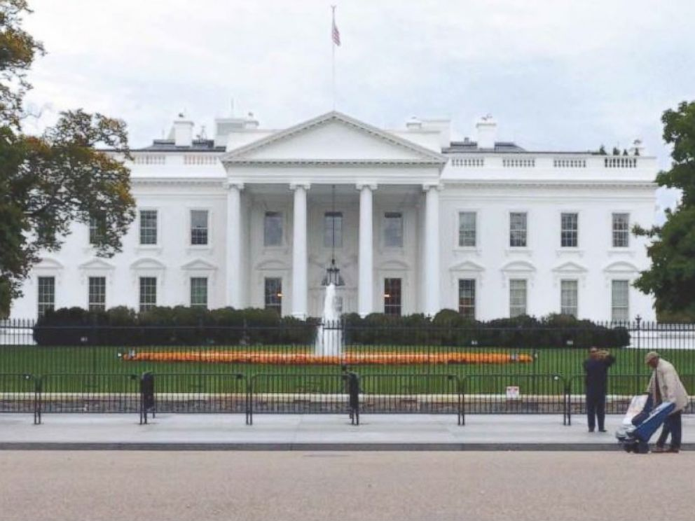 PHOTO: Existing White House fence from Lafayette Park.