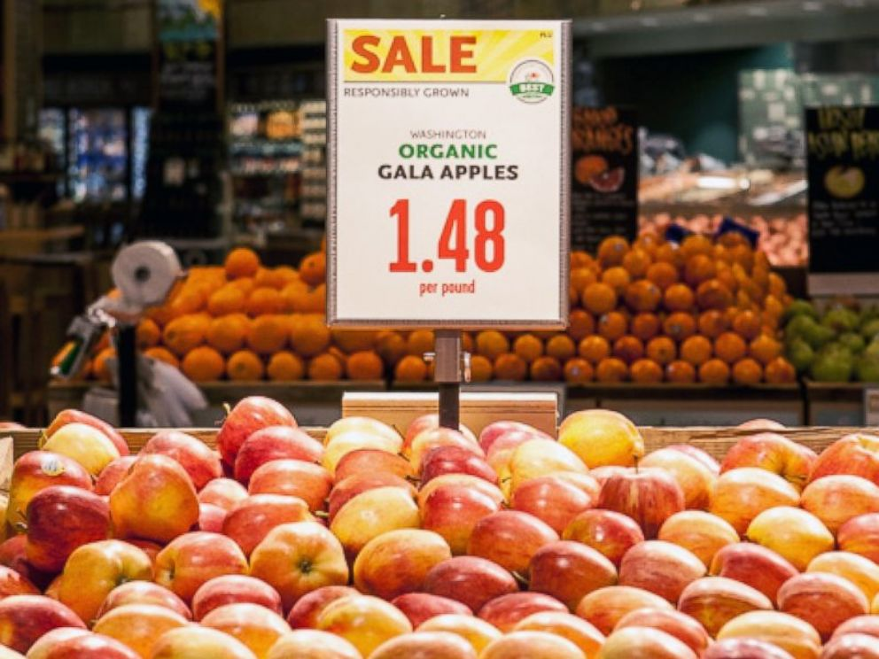 PHOTO: Organic gala apples are seen in a Whole Foods.