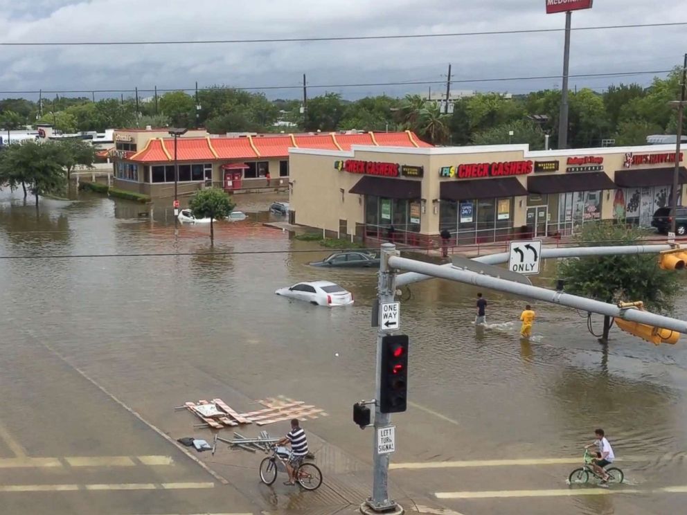 PHOTO: Flooding on West Bellfort Avenue in Houston, Aug. 27, 2017. The remnants of Hurricane Harvey sent devastating floods pouring into Houston as rising water chased thousands of people to rooftops or higher ground.