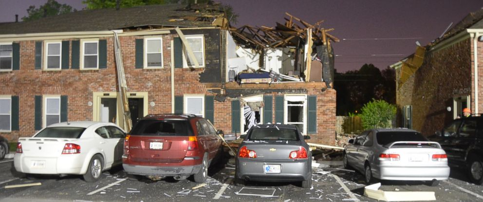 PHOTO: An explosion damaged an apartment complex in Indianapolis, May 15, 2014.