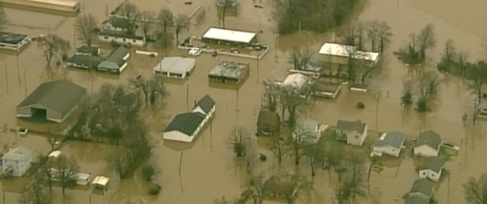 PHOTO: Buildings are submerged from flooding in Union, Missouri, Dec. 29, 2015.