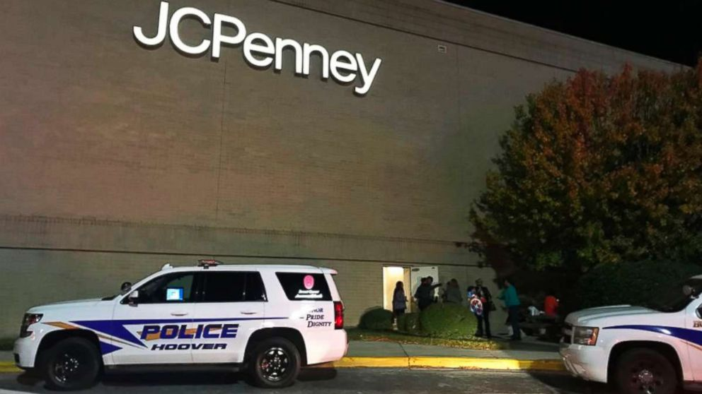 Police respond to a fight inside the Riverchase Galleria mall after gunfire erupted Thanksgiving night in Hoover, Ala., Nov. 22, 2018.