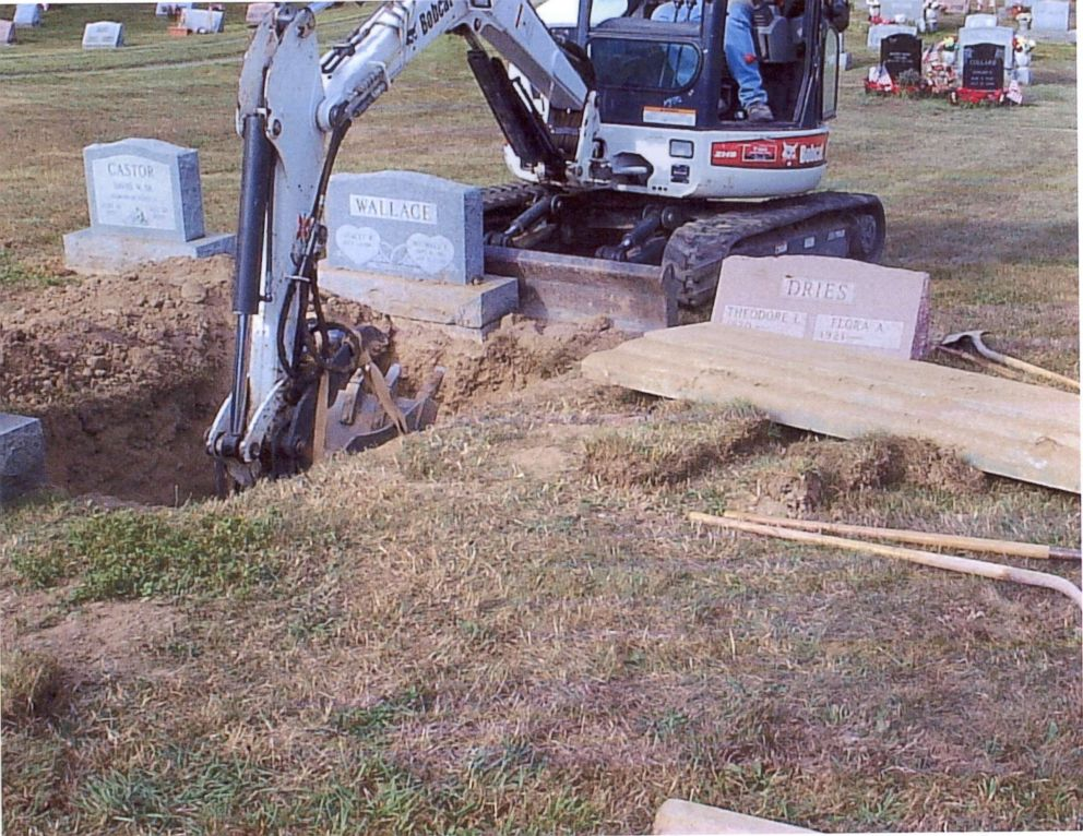 PHOTO: Investigators decided to exhume the body of Michael Wallace and examine him to see if his organs contained those telltale crystals associated with antifreeze.