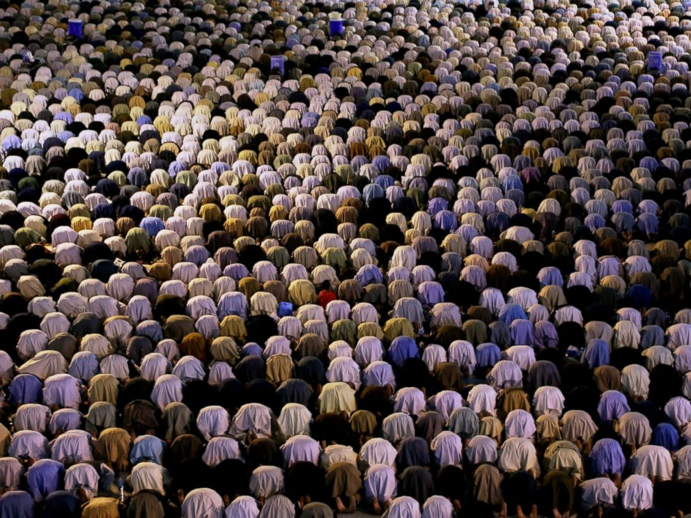 PHOTO: Muslims perform the Tarawih prayer during the holy month of Ramadan at Jami Mosque in Herat Province, Afghanistan, June 21, 2016.