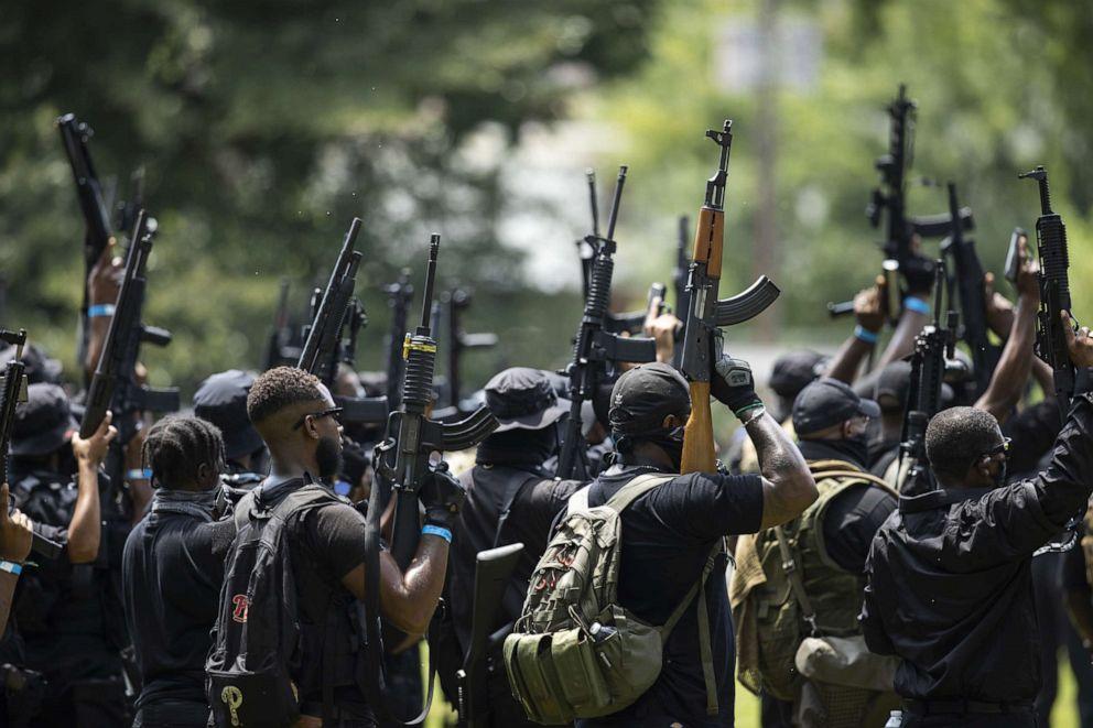 militia shot police