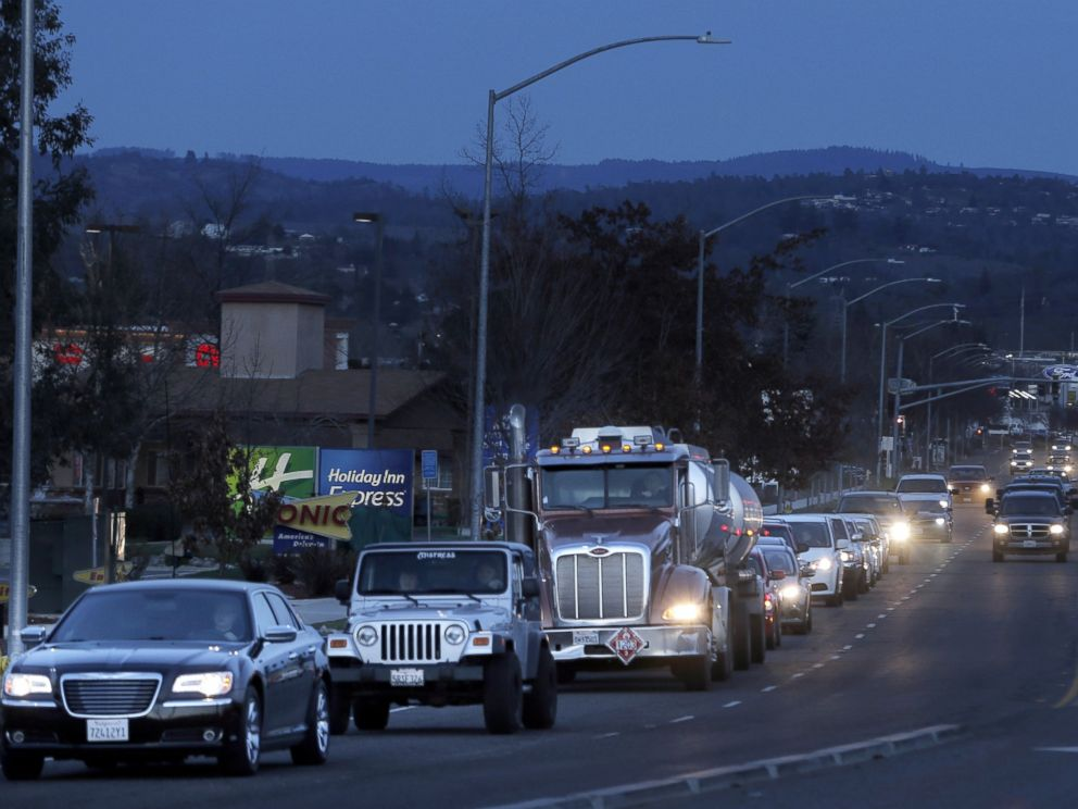 PHOTO: Vehicles line up on Highway 162 as thousands of Oroville residents evacuated the city following fears that erosion near the auxiliary spillway at Oroville Dam would cause it to fail, February 12, 2017.