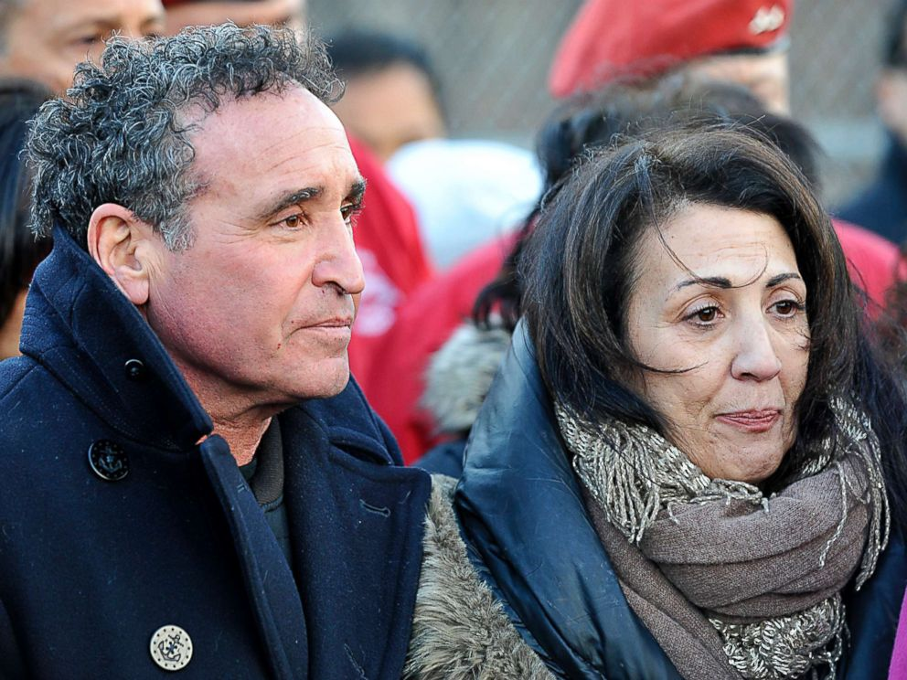 PHOTO: Cathy and Phillip Vetrano, parents of murdered jogger Karina Vetrano, hold a press conference at the entrance to the paths their daughter ran on in New York, Feb. 2, 2017.