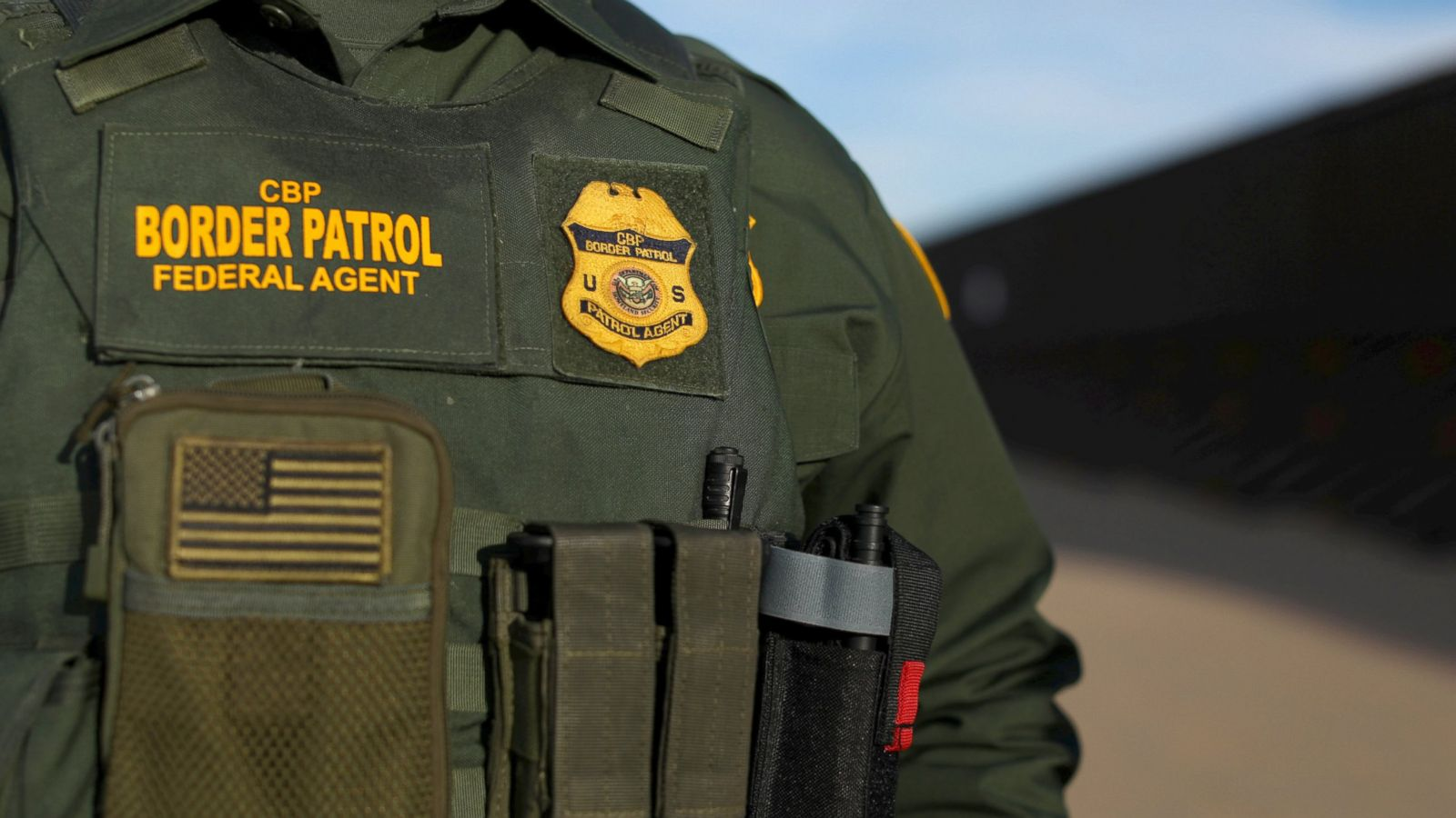 fbi investigating potential assault on border patrol agents abc news