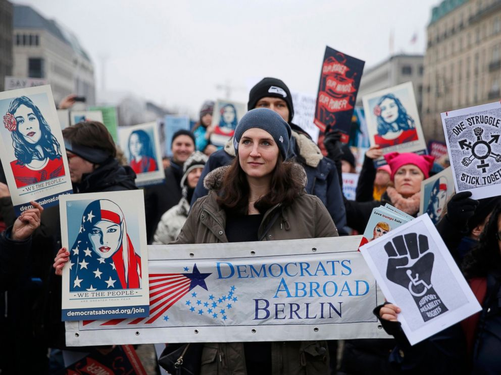 PHOTO: People gather in front of the U.S. Embassy on Pariser Platz beside Brandenburg Gate in solidarity with the Womens March in Washington and around the world, in Berlin, Germany, Jan. 21, 2017.