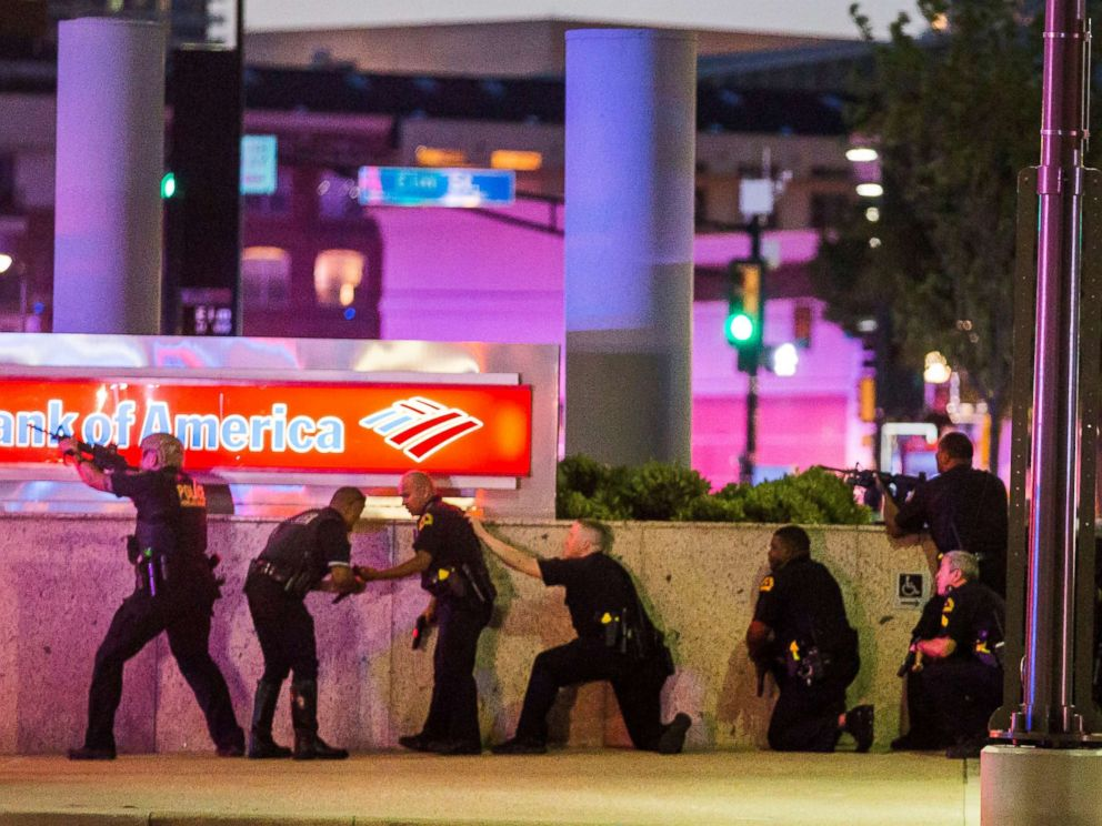 PHOTO: Dallas Police respond after shots were fired at a Black Lives Matter rally in downtown Dallas, July 7, 2016.