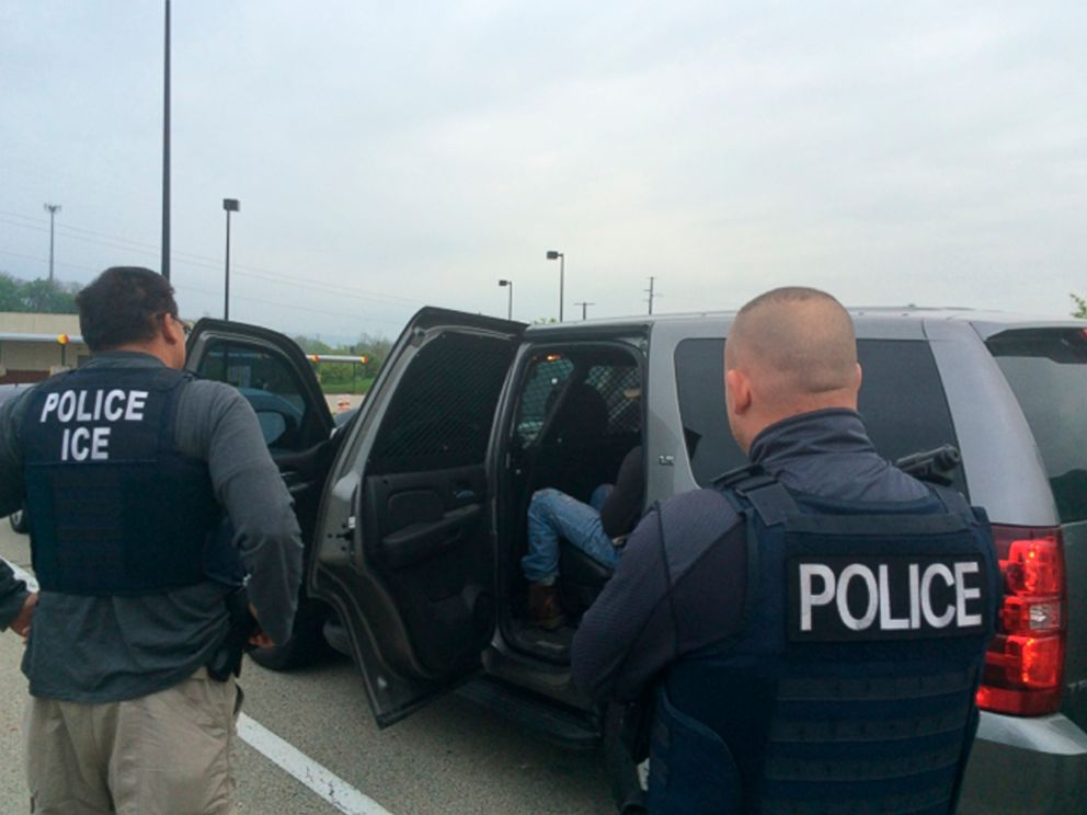 PHOTO: Officers from U.S. Immigration and Customs Enforcements (ICE) Enforcement and Removal Operations (ERO) are shown during an operation targeting criminal aliens and other immigration violators in Philadelphia, Pennsylvania.