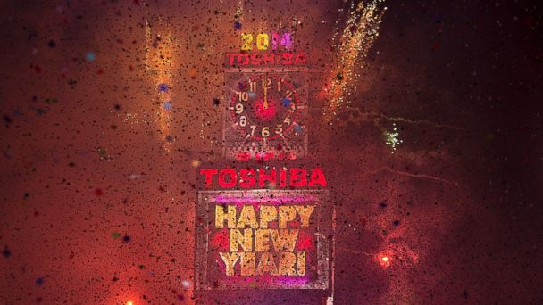 PHOTO: Fireworks go off at midnight on New Years Eve in Times Square in New York Jan. 1, 2014.
