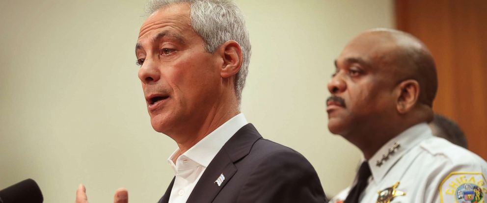 PHOTO: Chicago Mayor Rahm Emanuel announcing that the City of Chicago will file a federal lawsuit to try to prevent the U.S. Justice Department from making a federal crime prevention grant conditional on immigration enforcement policies, August 7, 2017.