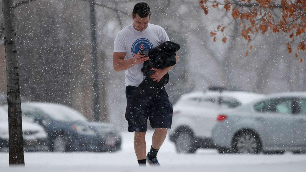 Besar badai bergerak ke Timur dengan salju dan cuaca buruk