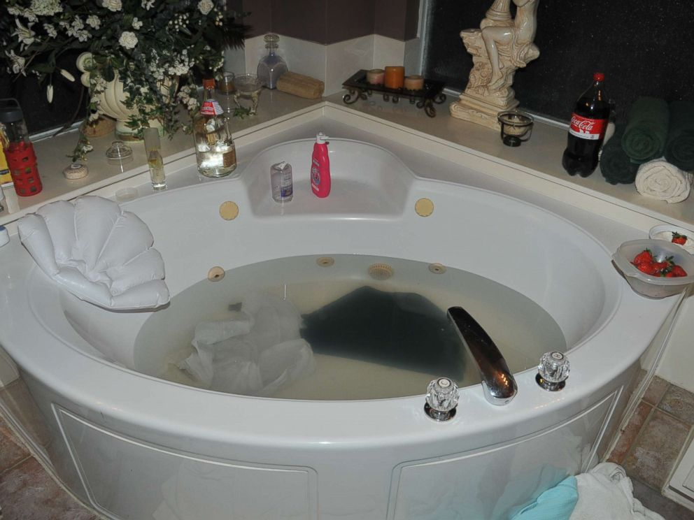 PHOTO: Police found a kitchen knife and a blouse in the Melgars jacuzzi after the murder of Jim Melgar.