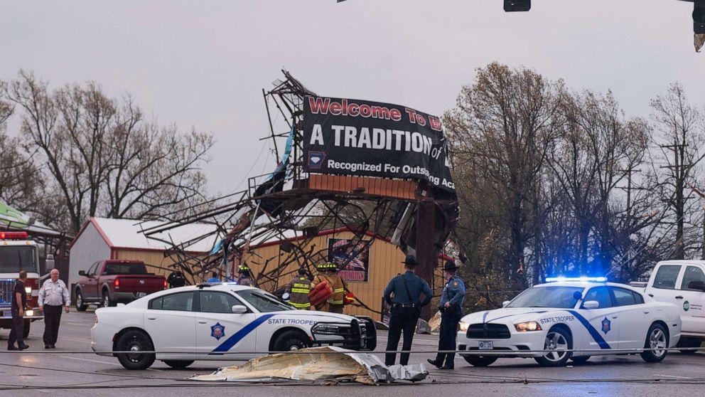 Mindestens 17 Tornados gemeldet Treffer zentrale UNS während severe weather outbreak