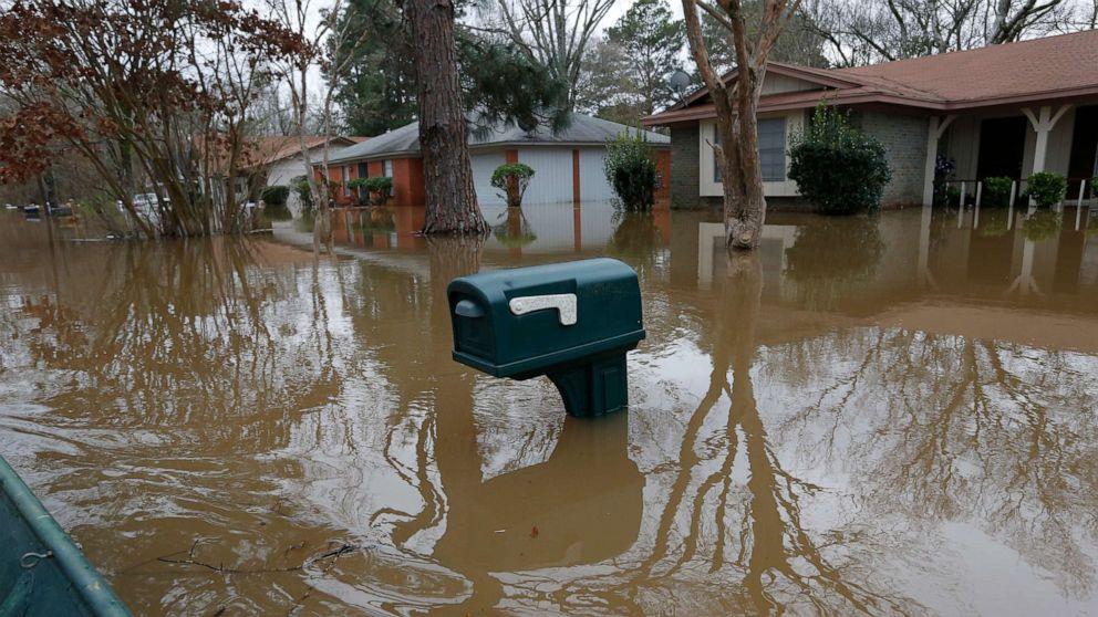 Βαριά βροχή του καιρού σήμερα και αύριο για το πλημμυρισμένο Νότια
