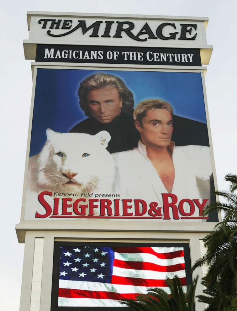 PHOTO: A poster advertising a performance by Siegfried and Roy is seen at the Mirage Hotel, Oct. 4, 2003, in Las Vegas.