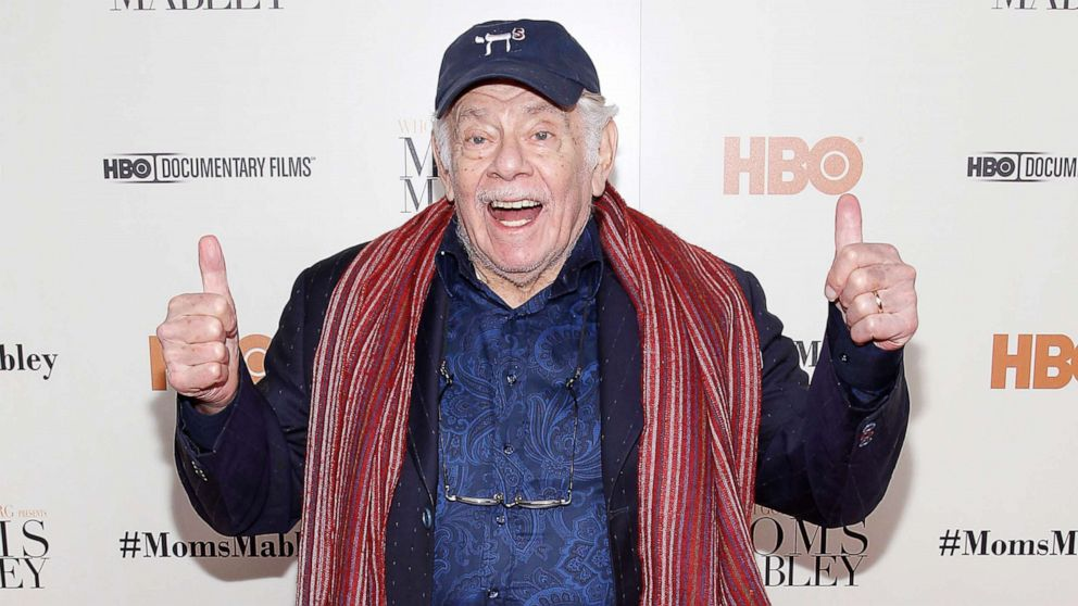 Jerry Stiller, comedian and 'Seinfeld' actor, dies at 92 - ABC News