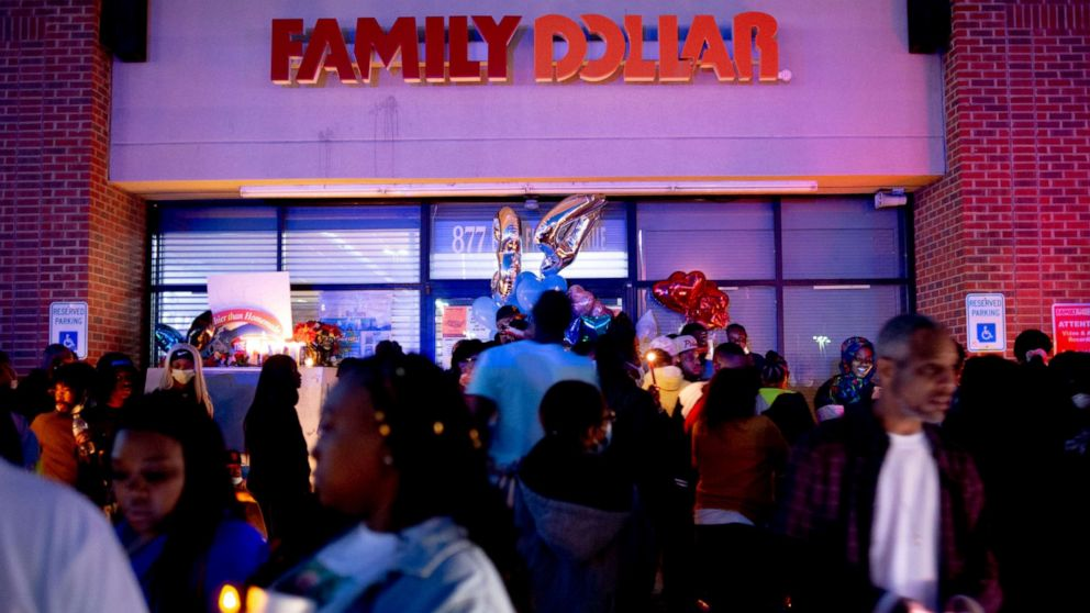 Men arrested in killing of Family Dollar security guard after face mask dispute
