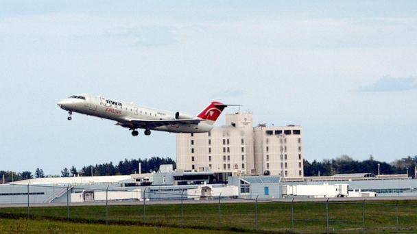 Amsterdam-bound flight makes emergency landing in Maine