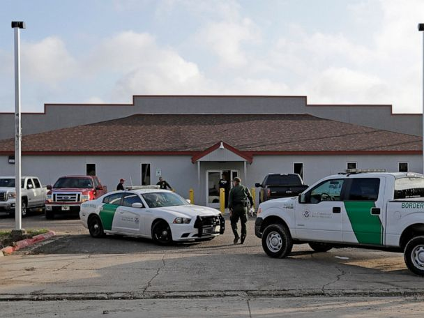 US border center scrutinized after teen found with preemie