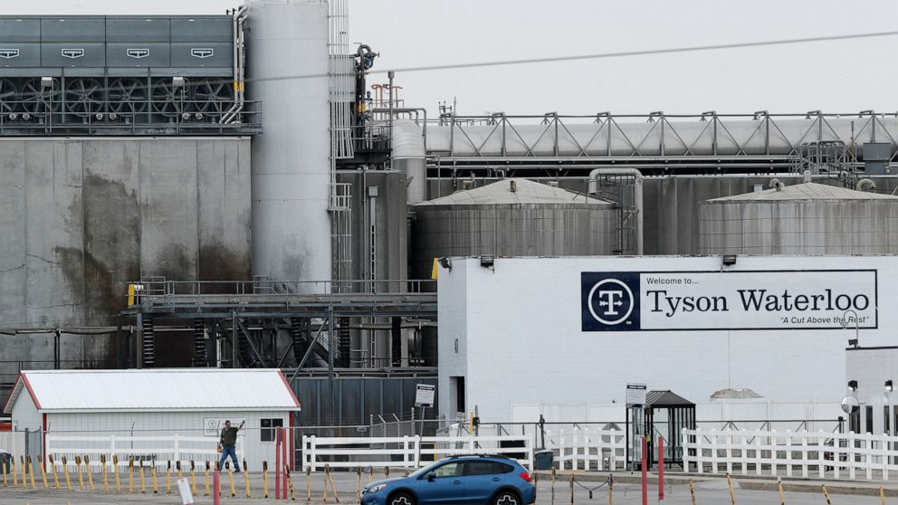 Iowa finds no violations at Tyson plant with deadly outbreak thumbnail