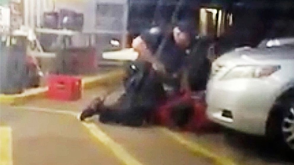 1 officer dismissed from Alton Sterling wrongful death suit thumbnail