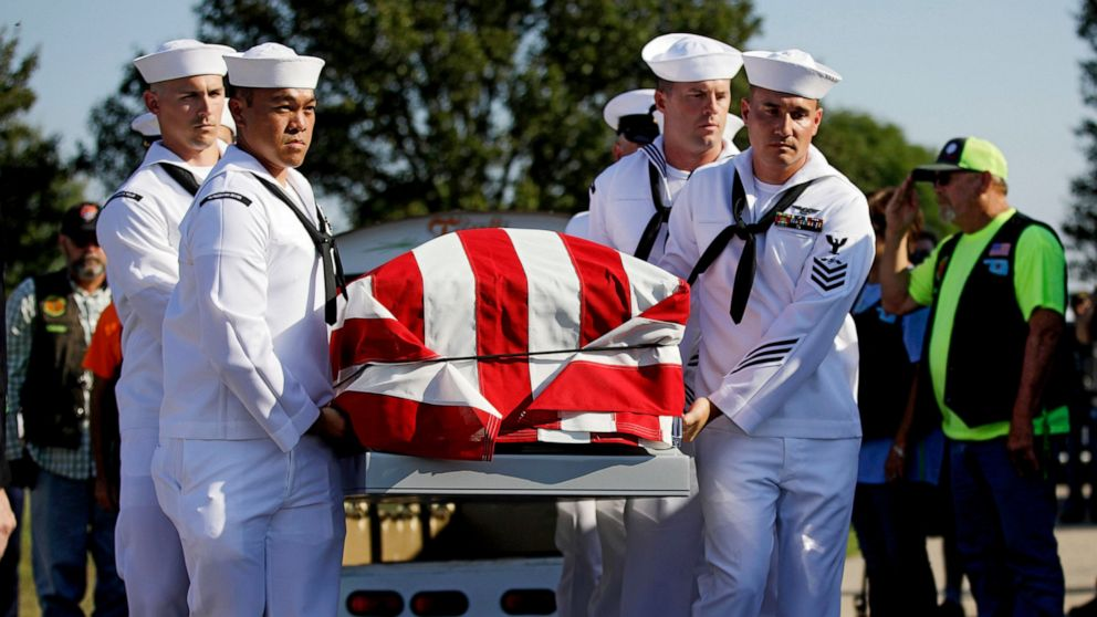 Hundreds attend service for WWII vet with no known family