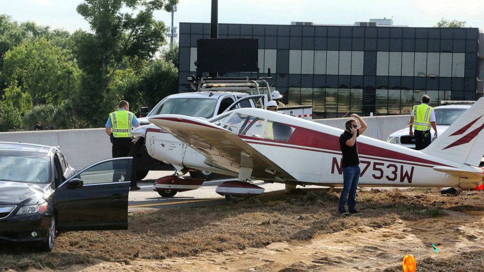 Small plane lands on Florida highway during rush hour
